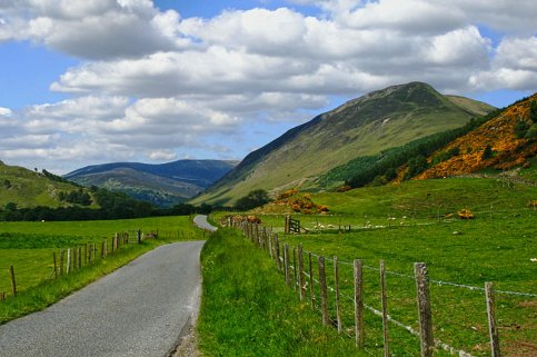 glen-lyon-national-scenic-area-the-high-road-in-glen-lyon-scotland