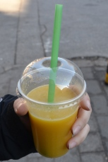 zumo-de-naranja-y-aguacate-plovdiv