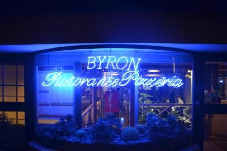 Byron entrada