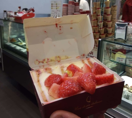 Tiramissu sin gluten de fresa