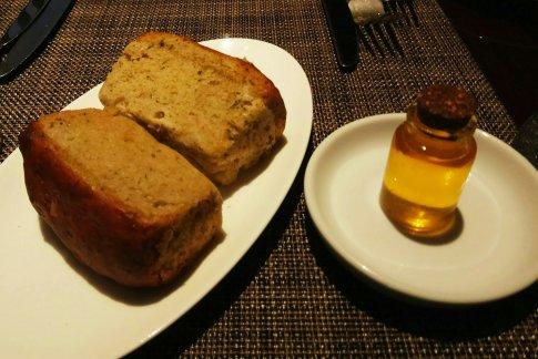 pan casero con aceite